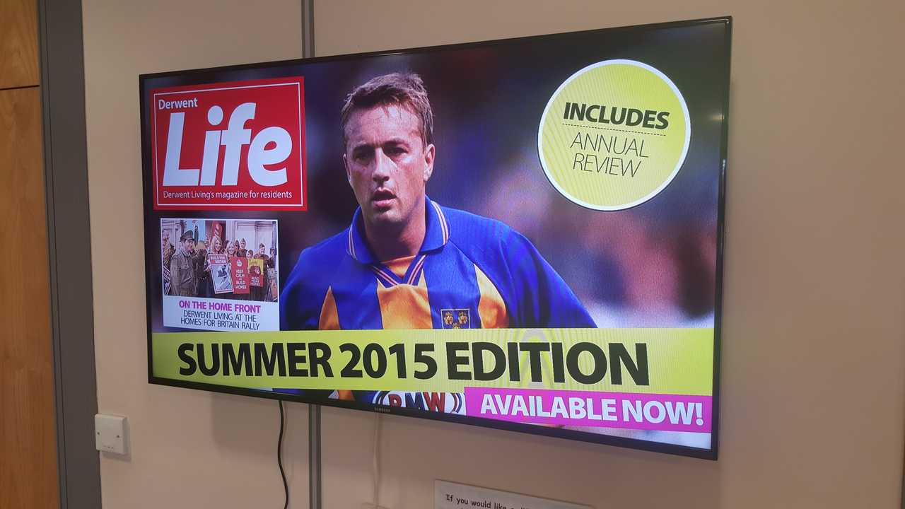 The display up and running - there's a TV advertising the latest magazine (in 2015)